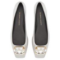 BIG DIAMOND BALLET - Silver - Loafers