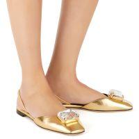 VANIA BIG DIAMOND - Gold - Flats