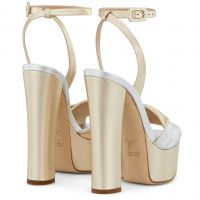 DOUBLE BETTY - Gold - Sandals
