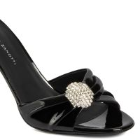REEVA - Sandals