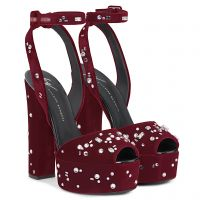 THE DAZZLING BETTY - Red - Sandals