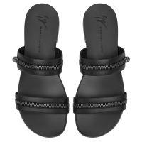 BRAD - Black - Flats