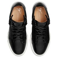 THE SHARK 5.0 MID - Black - Mid top sneakers
