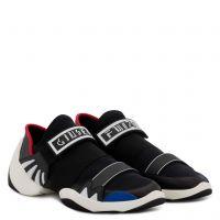 JUMP R18 - Black - Slip ons