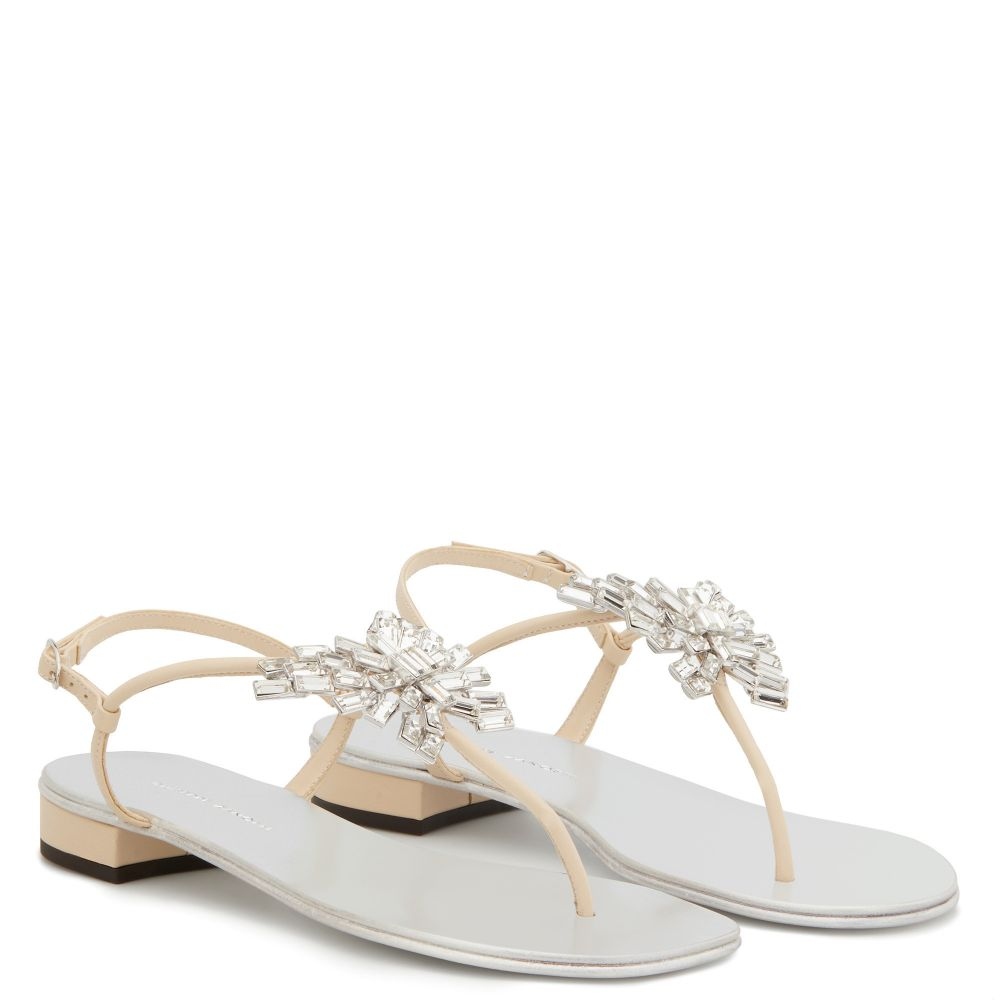 NEW BUTTERFLY - Yellow - Flats