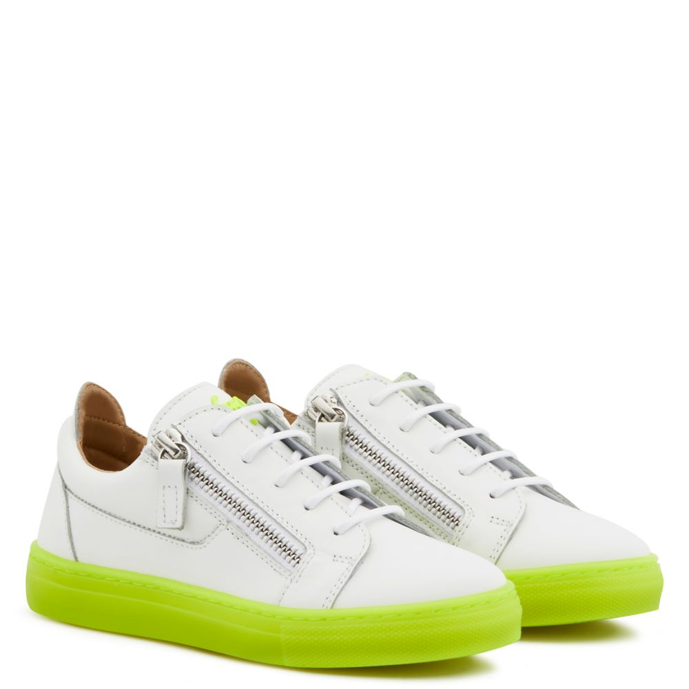 FRANKIE FLUO JR. - Yellow - Low top sneakers