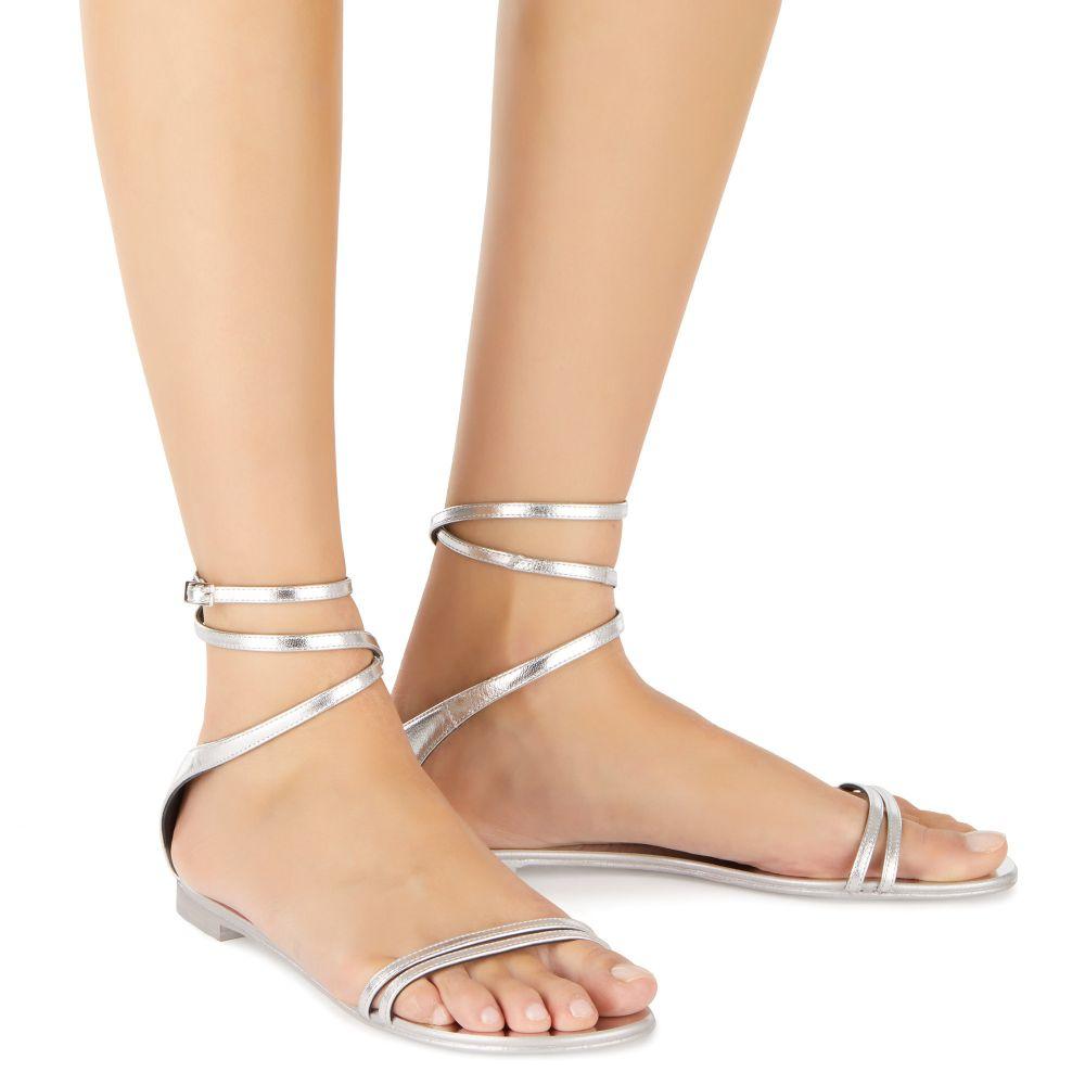 CATIA - Silver - Flats