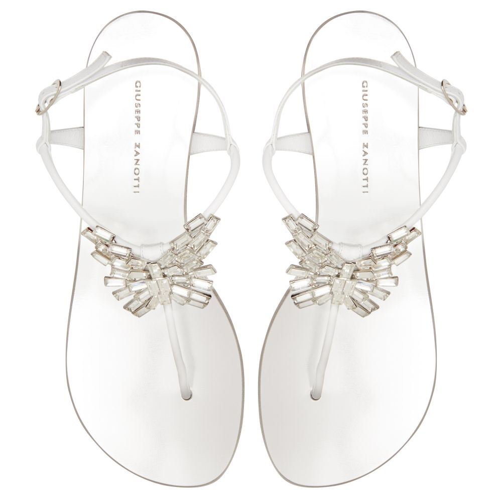 NEW BUTTERFLY - White - Flats