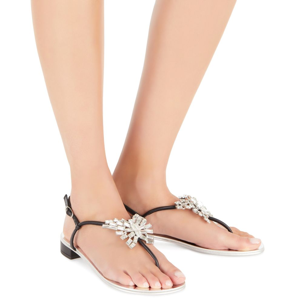 NEW BUTTERFLY - Black - Flats