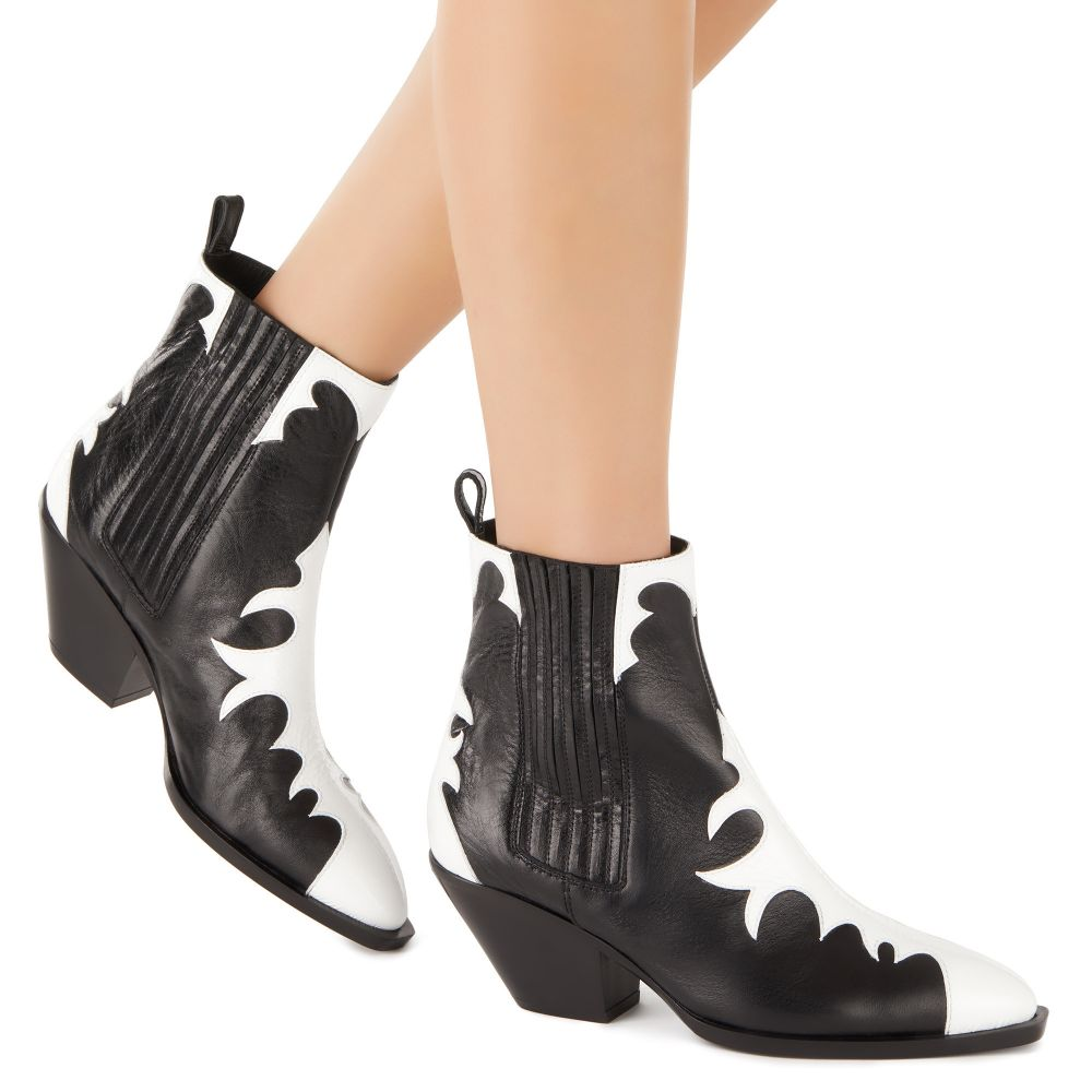 HELENA - Black - Boots