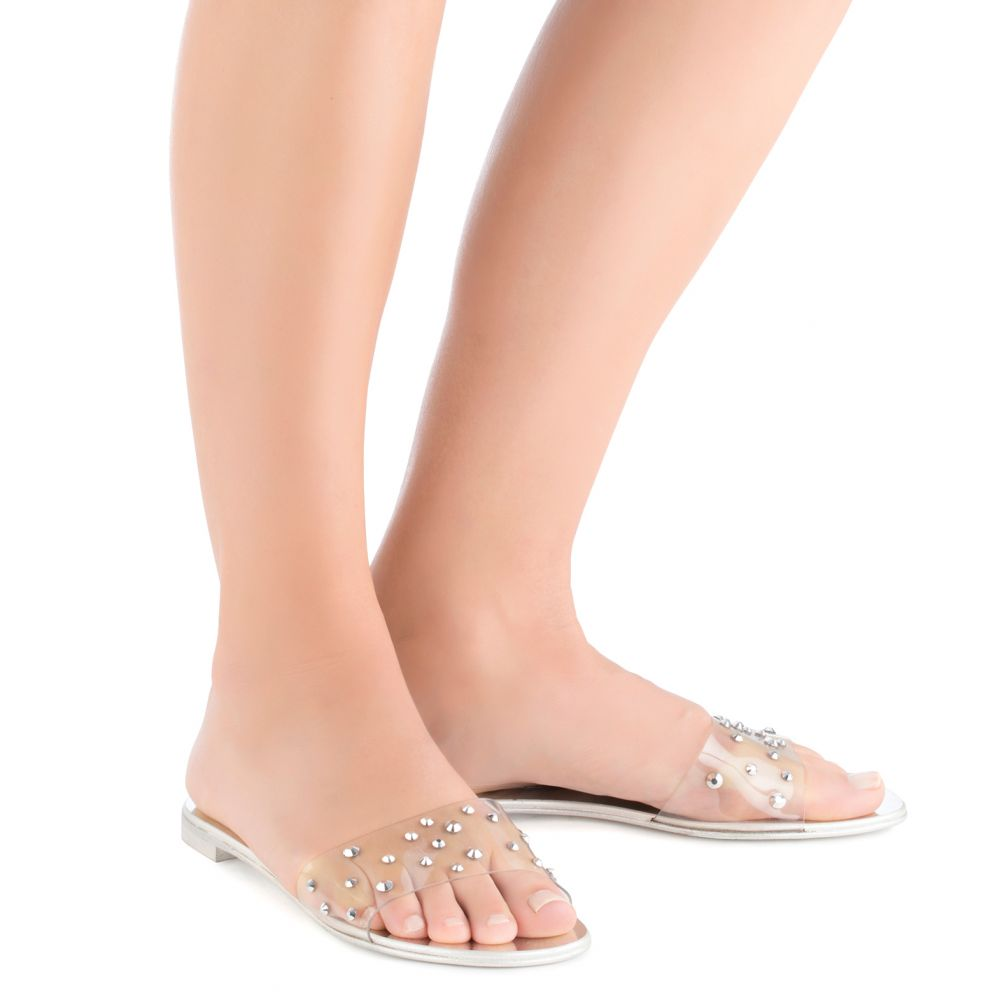 CASSIDY - Silver - Flats