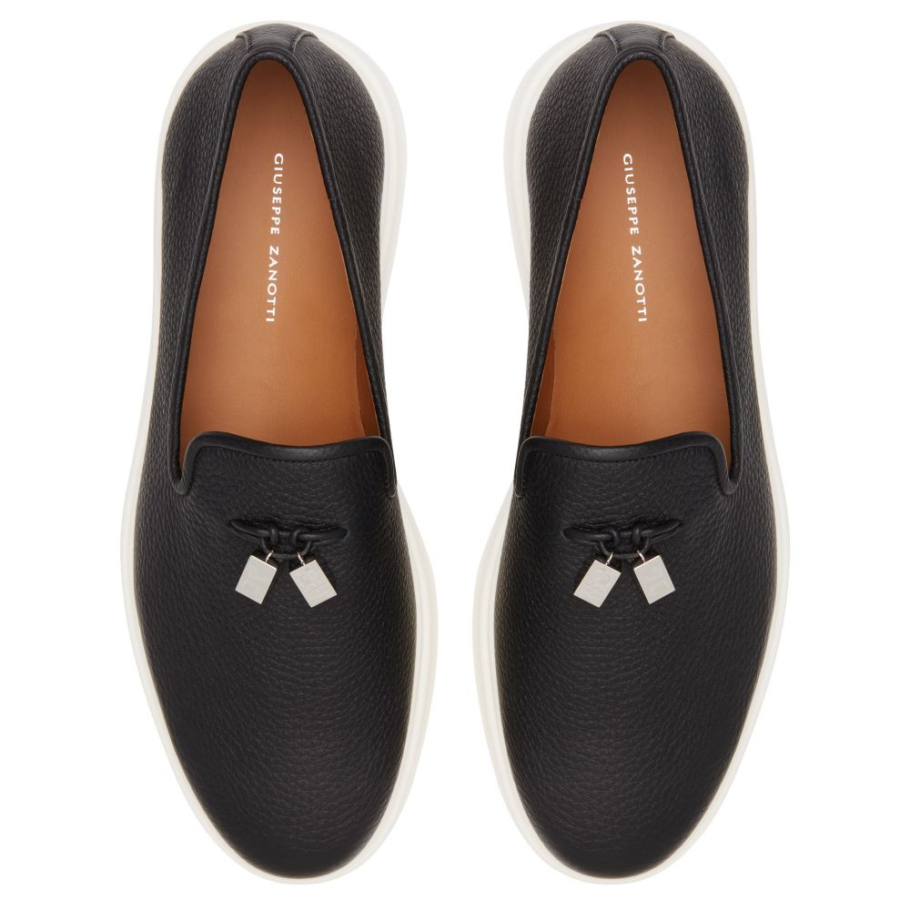 CLEM CUBE - Black - Loafers