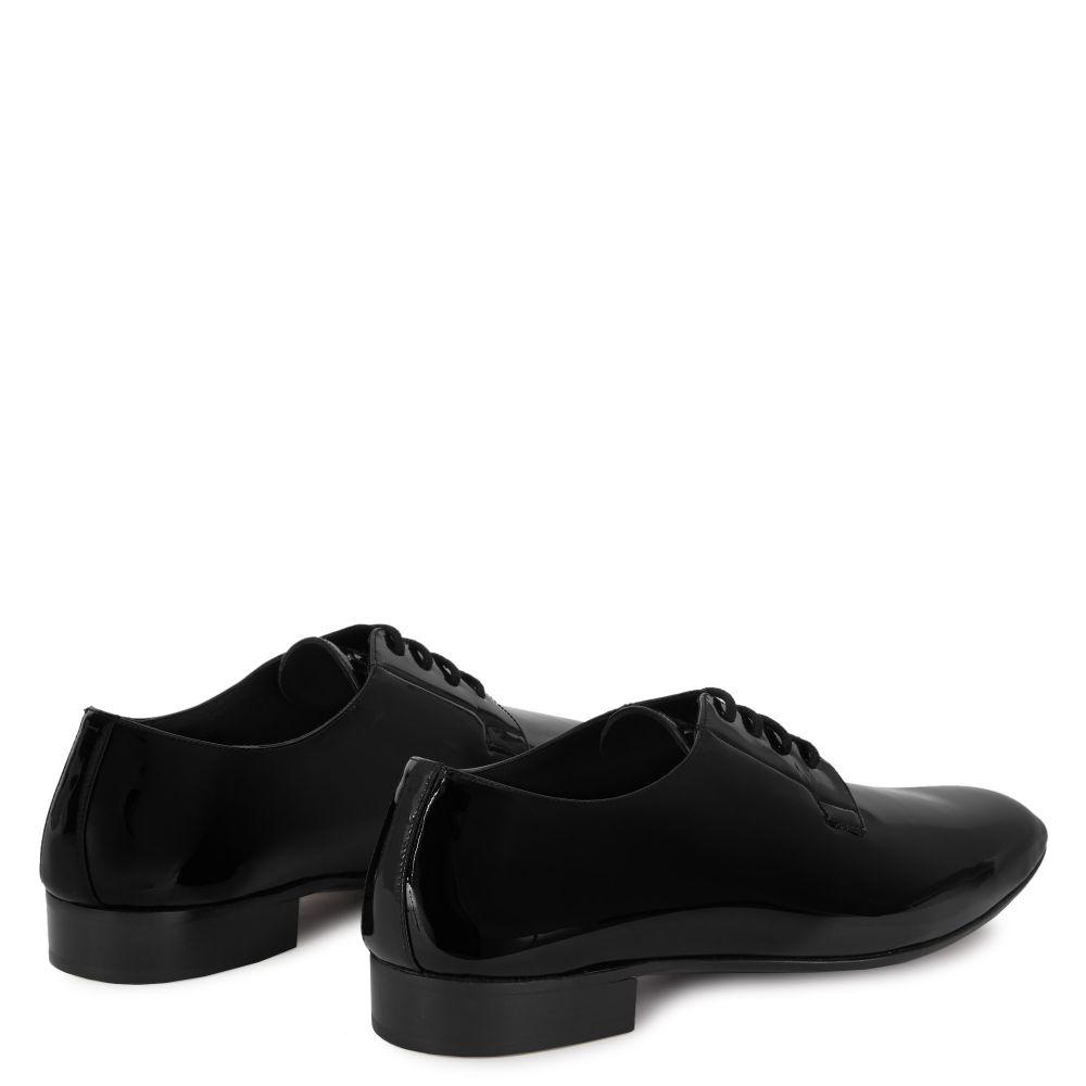 FLATCHER - Black - Lace up