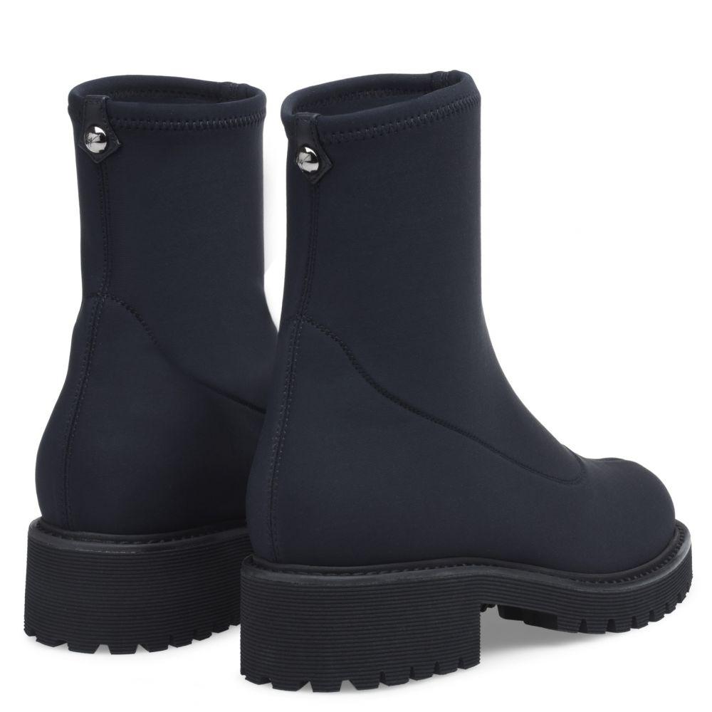 K25_LT1 - Nero - Stivali