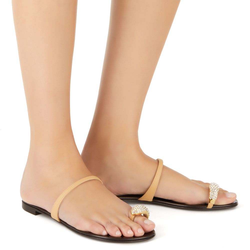 RING - Brown - Flats