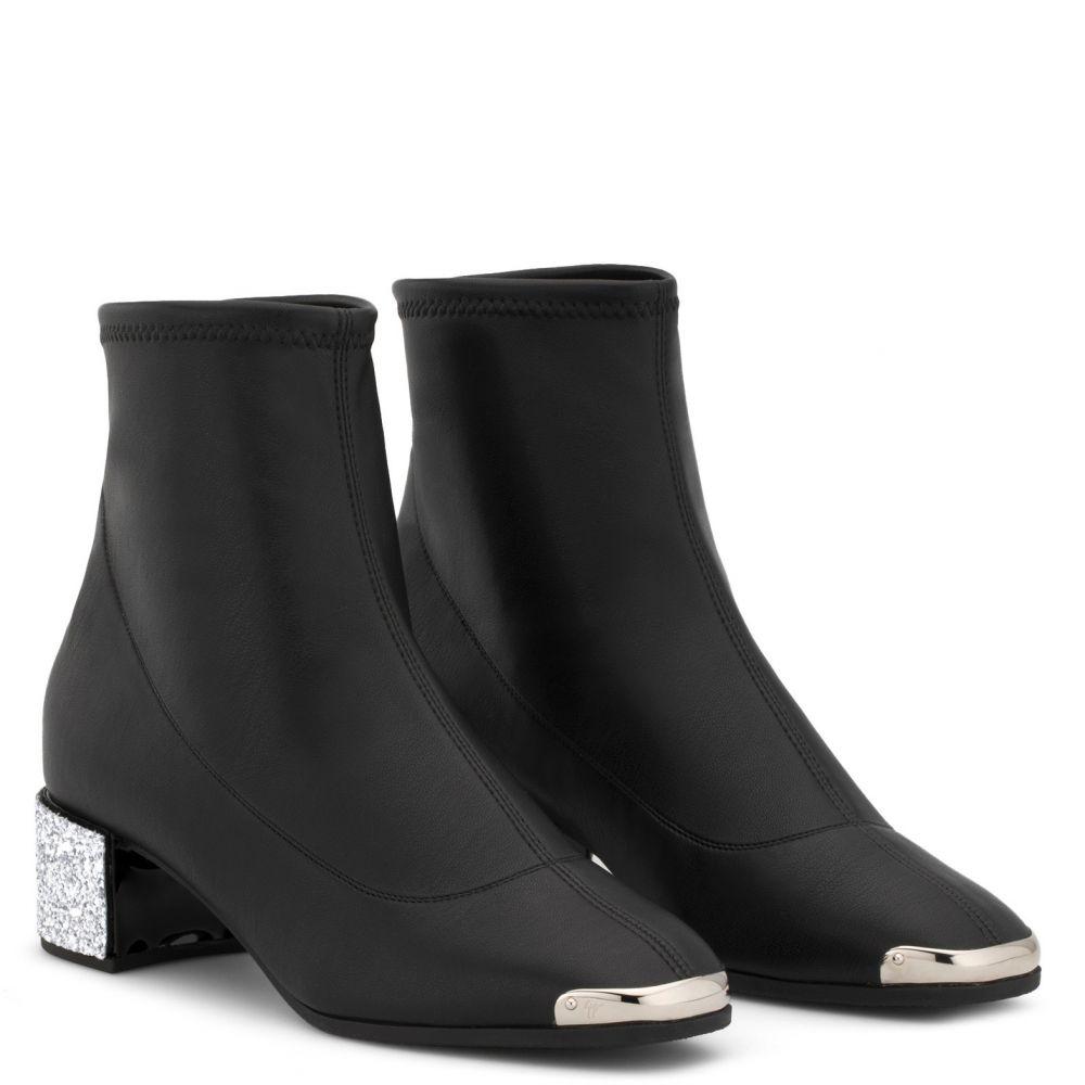 AUGUSTINE - Black - Boots