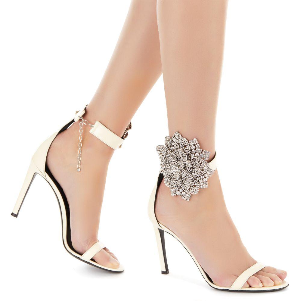 FLEUR - White - Sandals