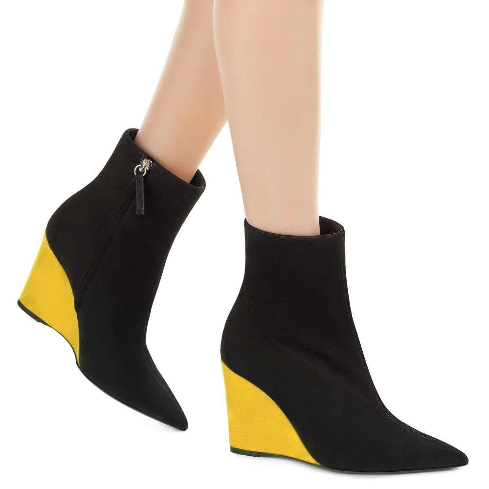 KRISTEN POP - Boots