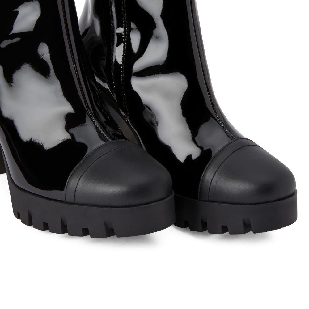 ZANDRA - Black - Boots