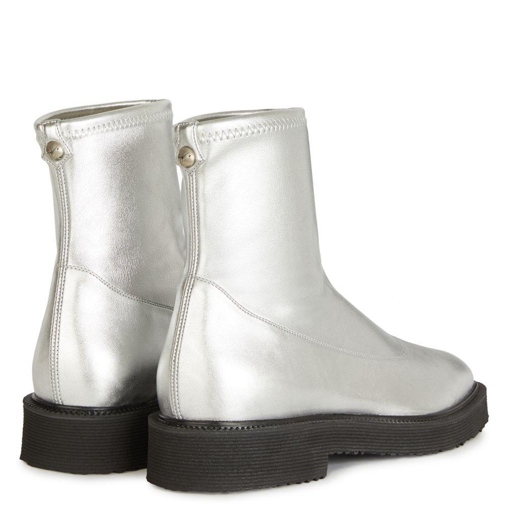 SELMA - Silver - Boots