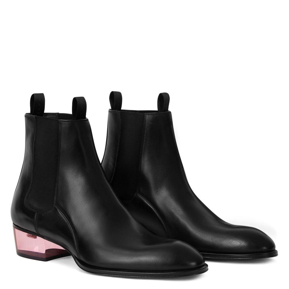 ABBEY PLEXY - Boots