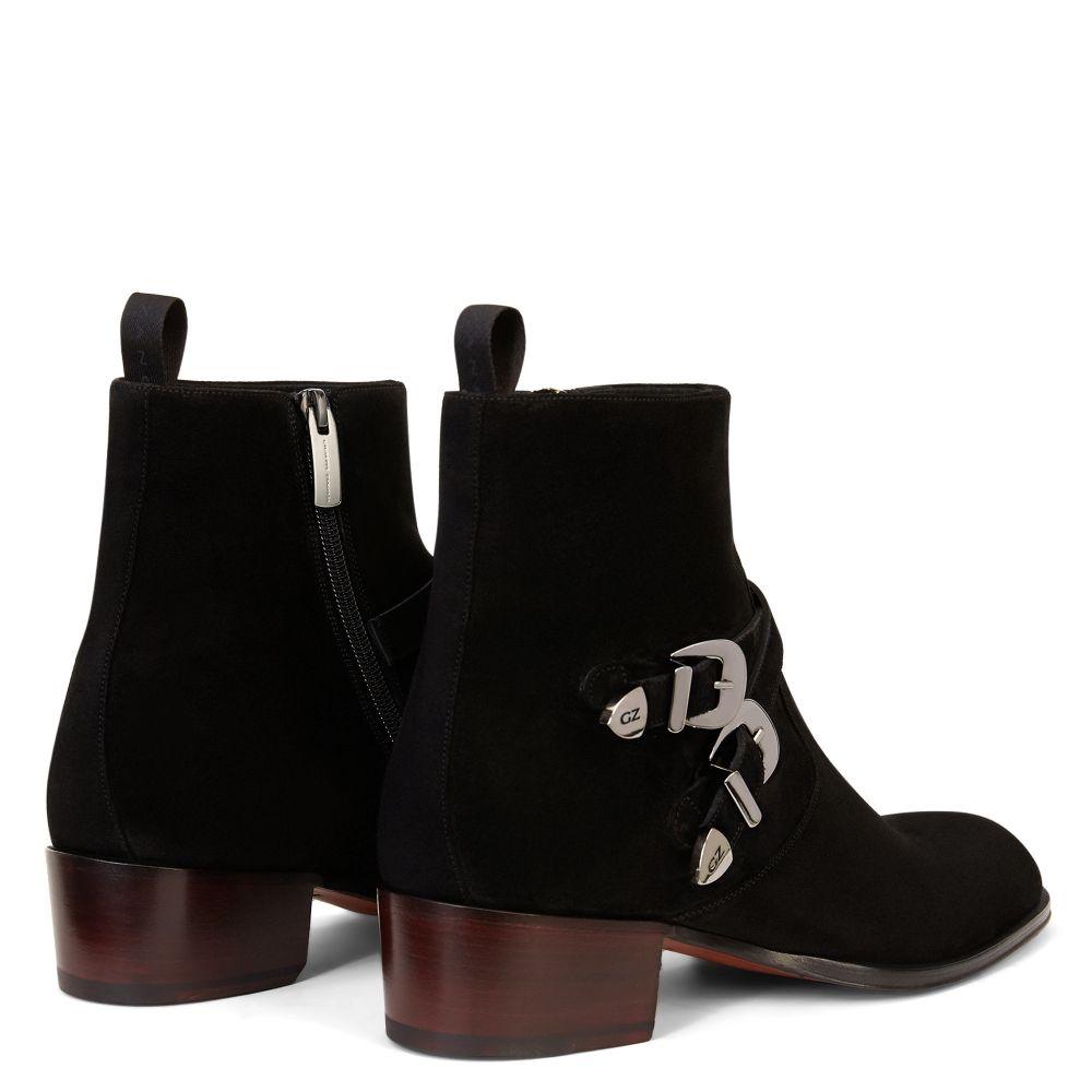 SHELDON BUCKLE - Boots