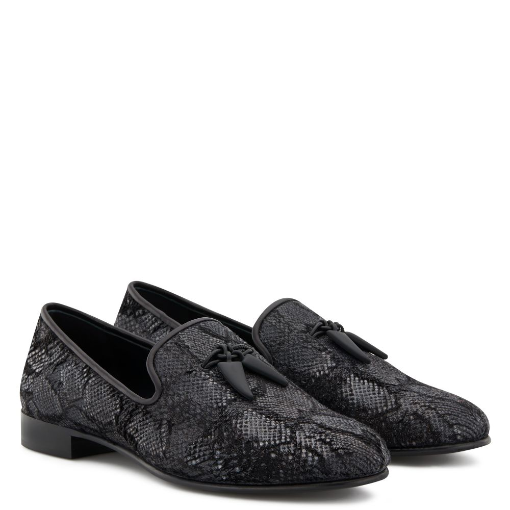 SHARK PYTHON - Black - Loafers
