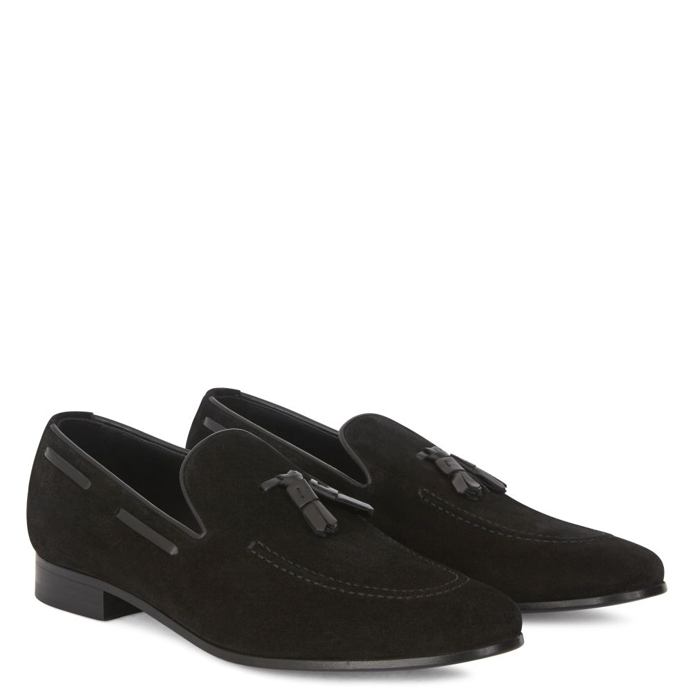 THYMUS - Black - Loafers
