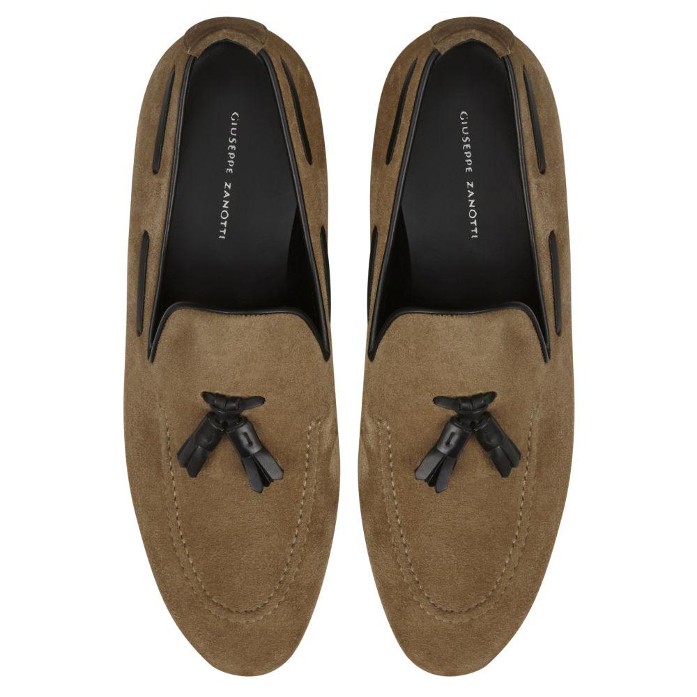 THYMUS - Beige - Loafers