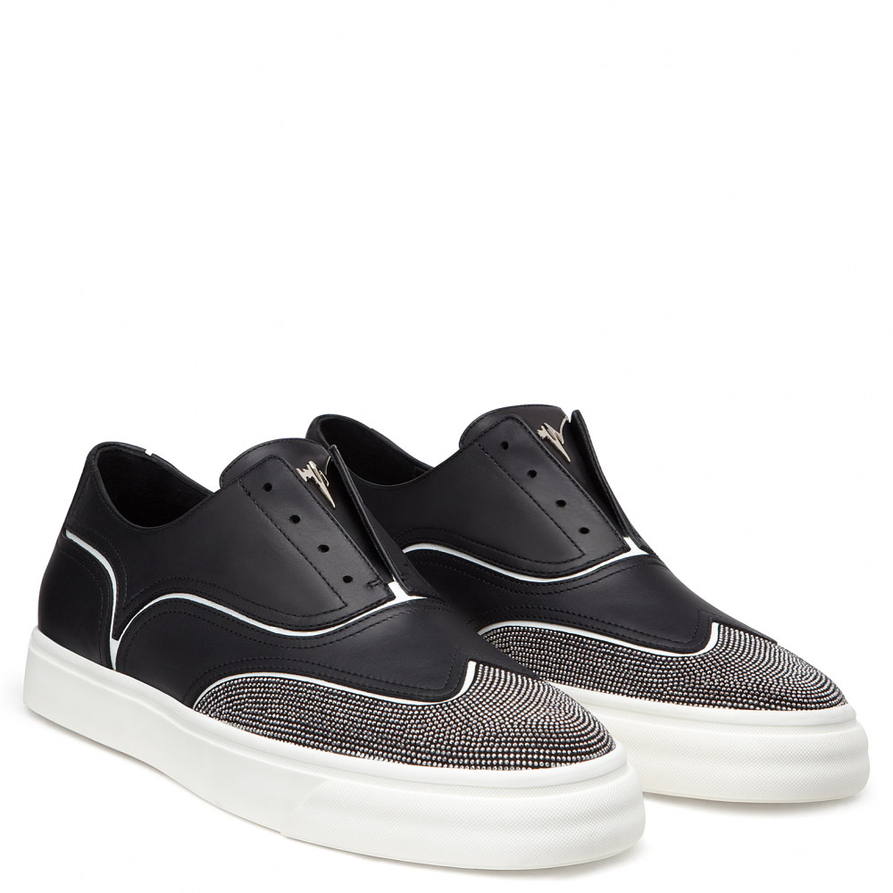 LORD - Black - Low top sneakers