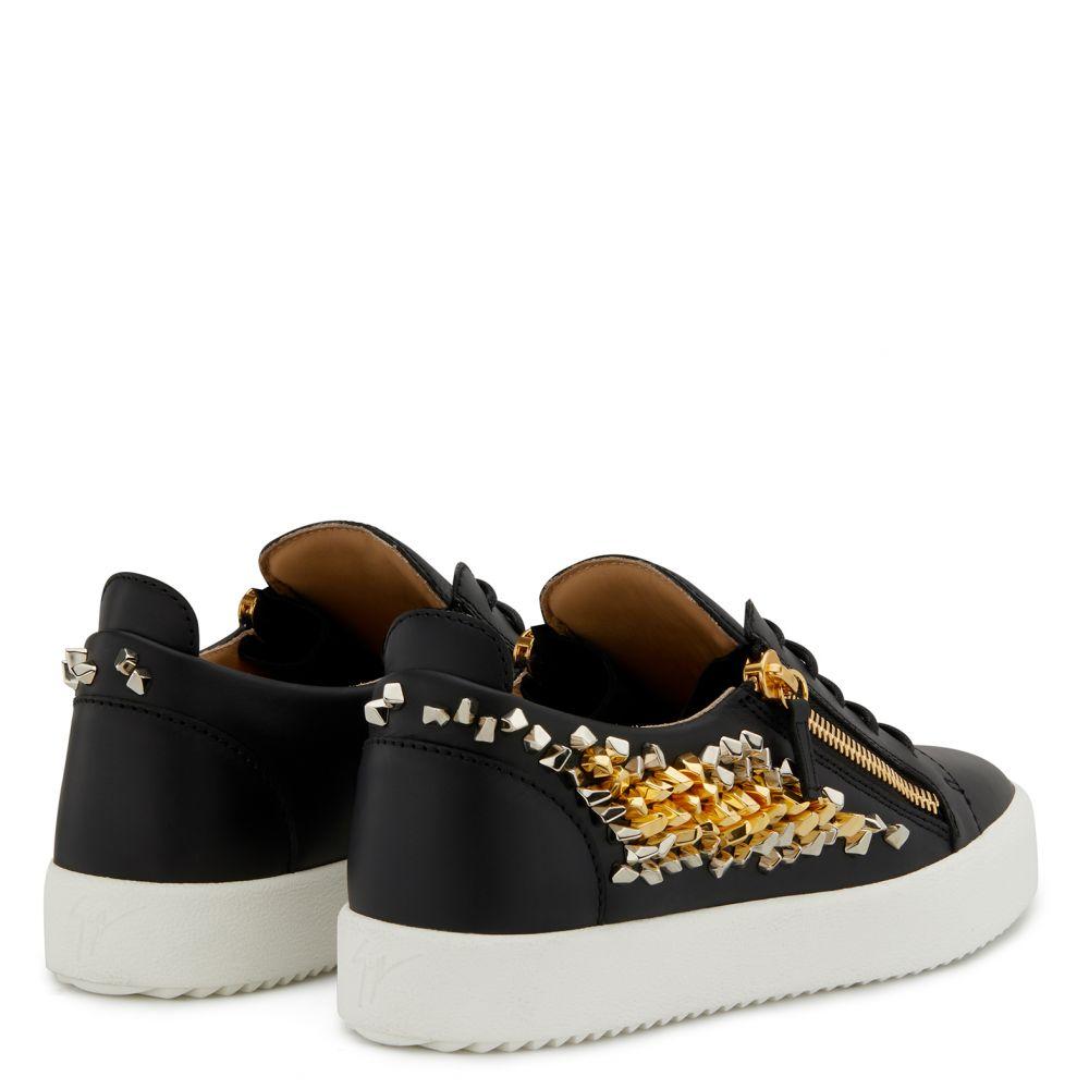COSMANN - Black - Low top sneakers