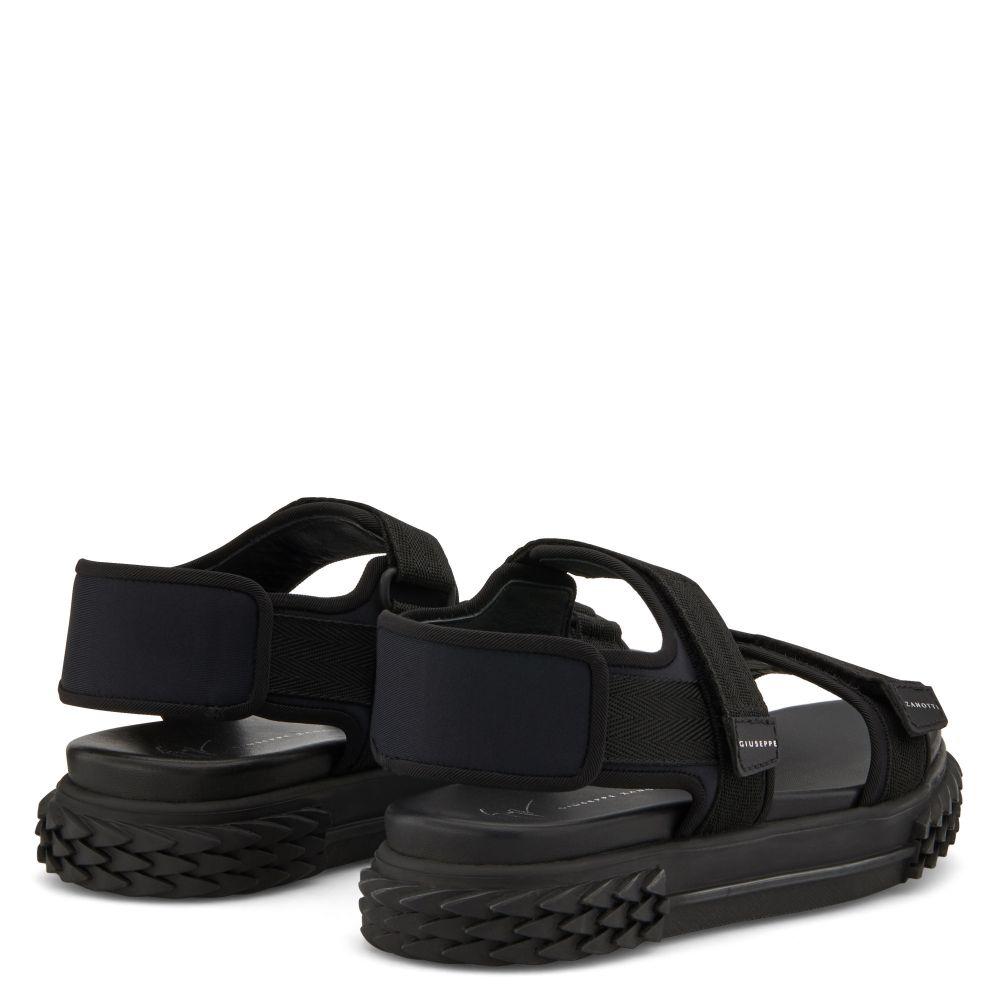 BLABBER GUMMY - Black - Flats
