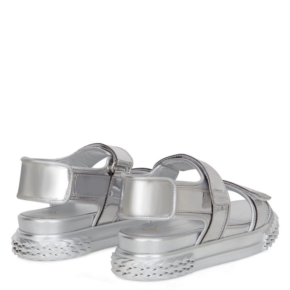 BLABBER GUMMY - Silver - Sandals