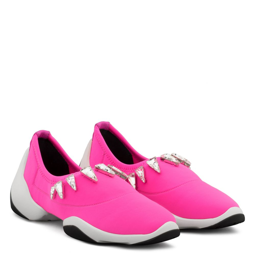 LIGHT JUMP LTS - Fuxia - Slip ons