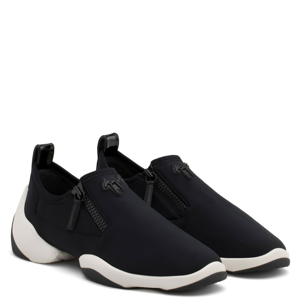 LIGHT JUMP LT1 - Noir - Slip On