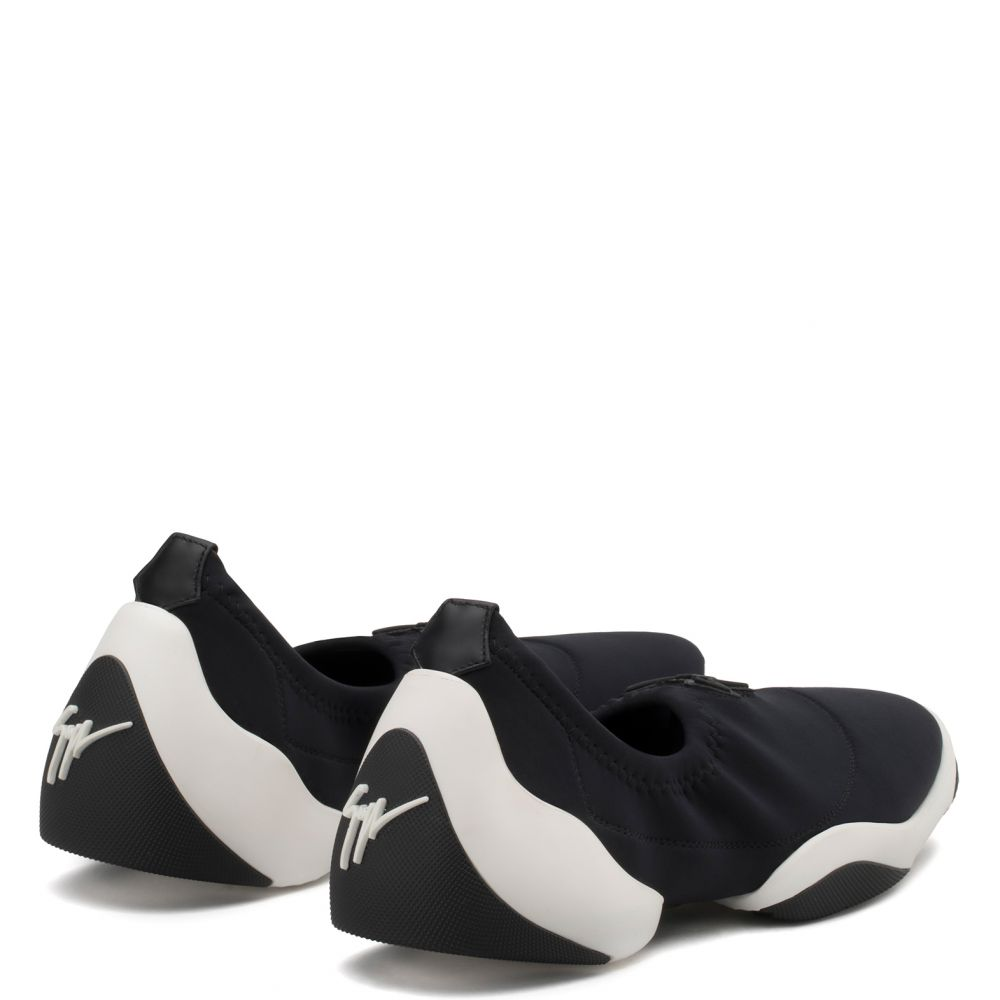 LIGHT JUMP LT1 - Black - Slip ons