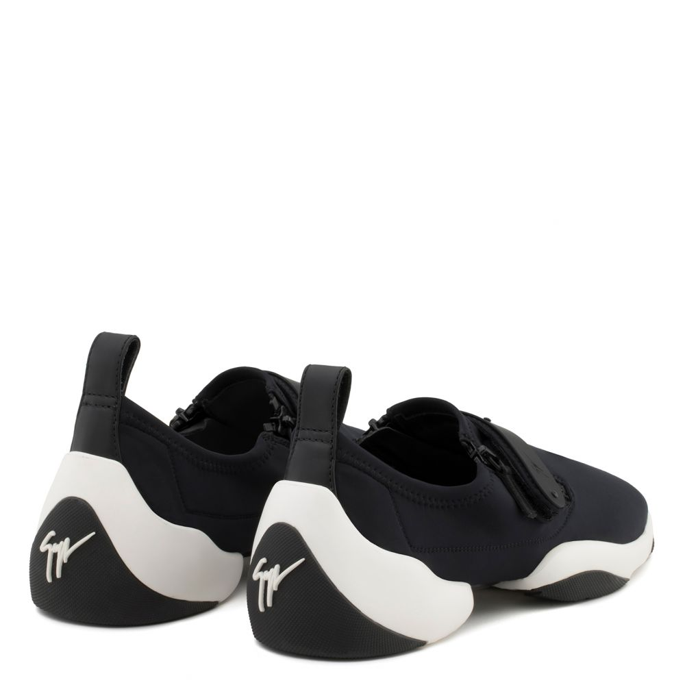 LIGHT JUMP LT2 - Black - Slip ons