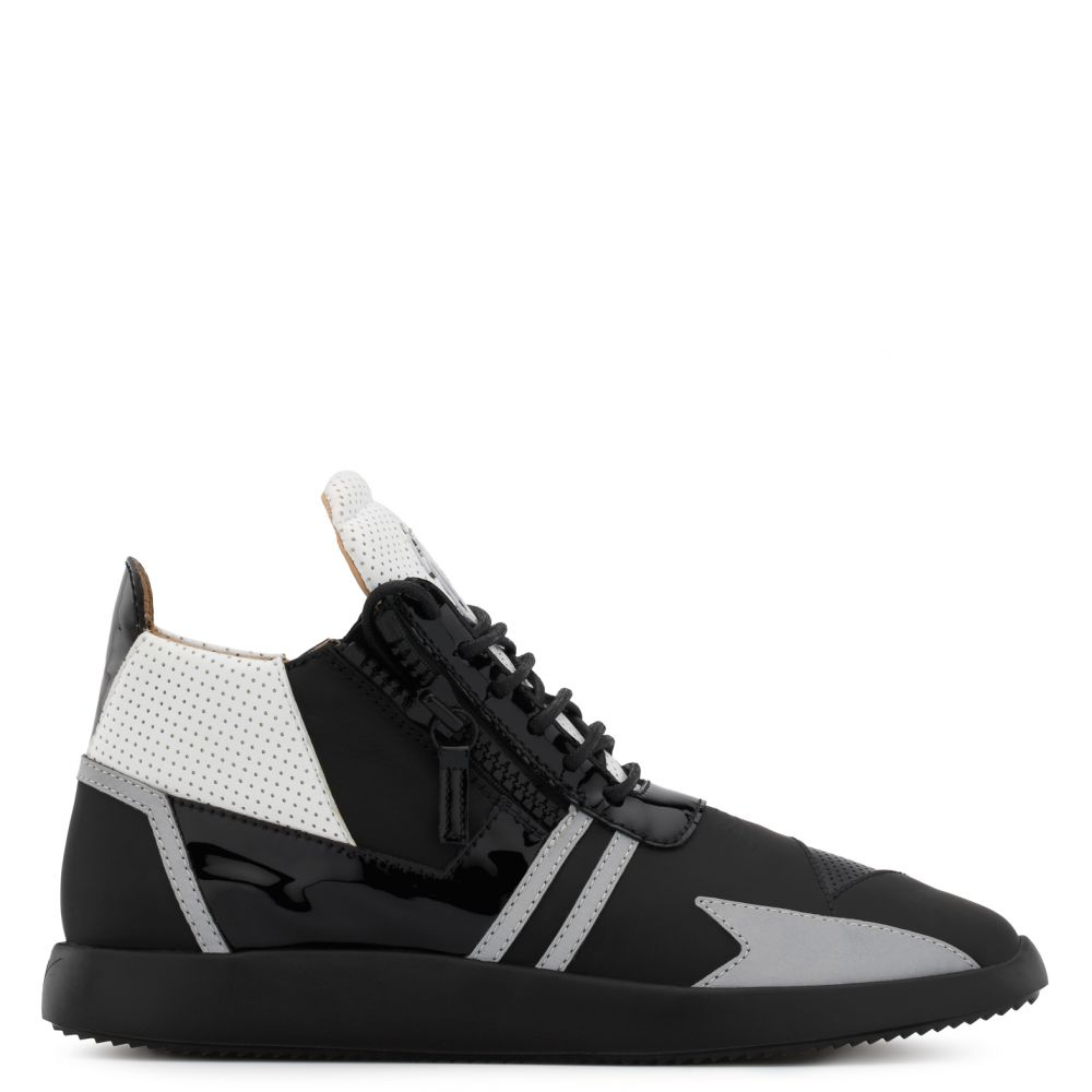 RUNNER RENEW - Black - Low top sneakers