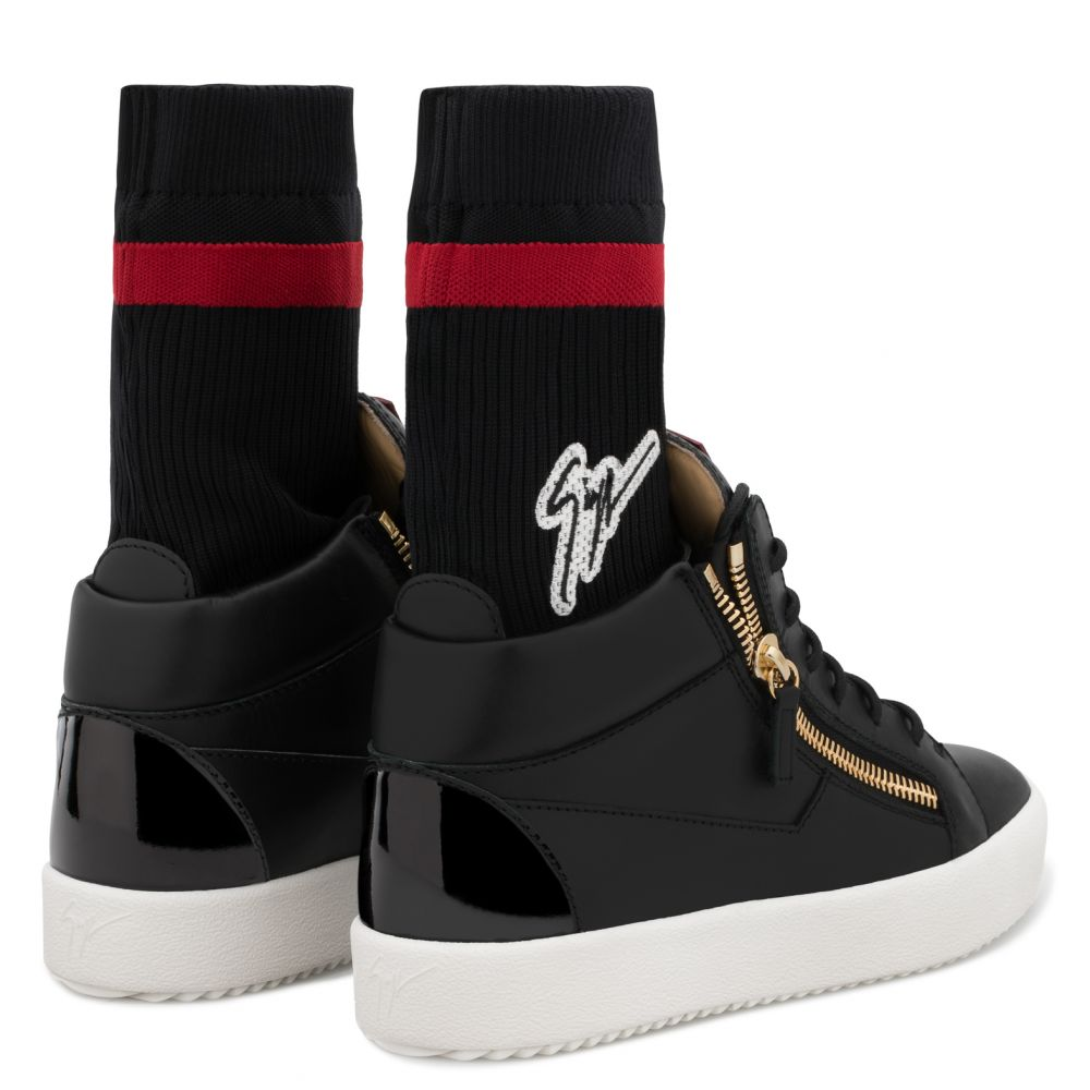 KRISS PLUS - Black - Mid top sneakers
