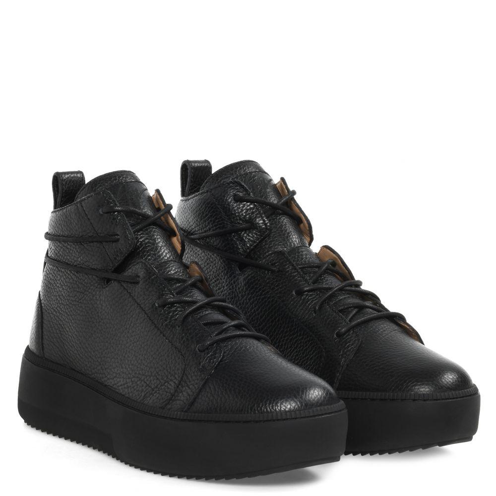 NICKI - Black - Mid top sneakers