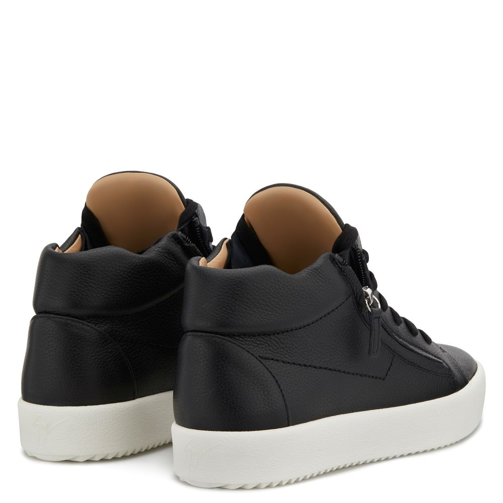 JUSTY - Mid top sneakers