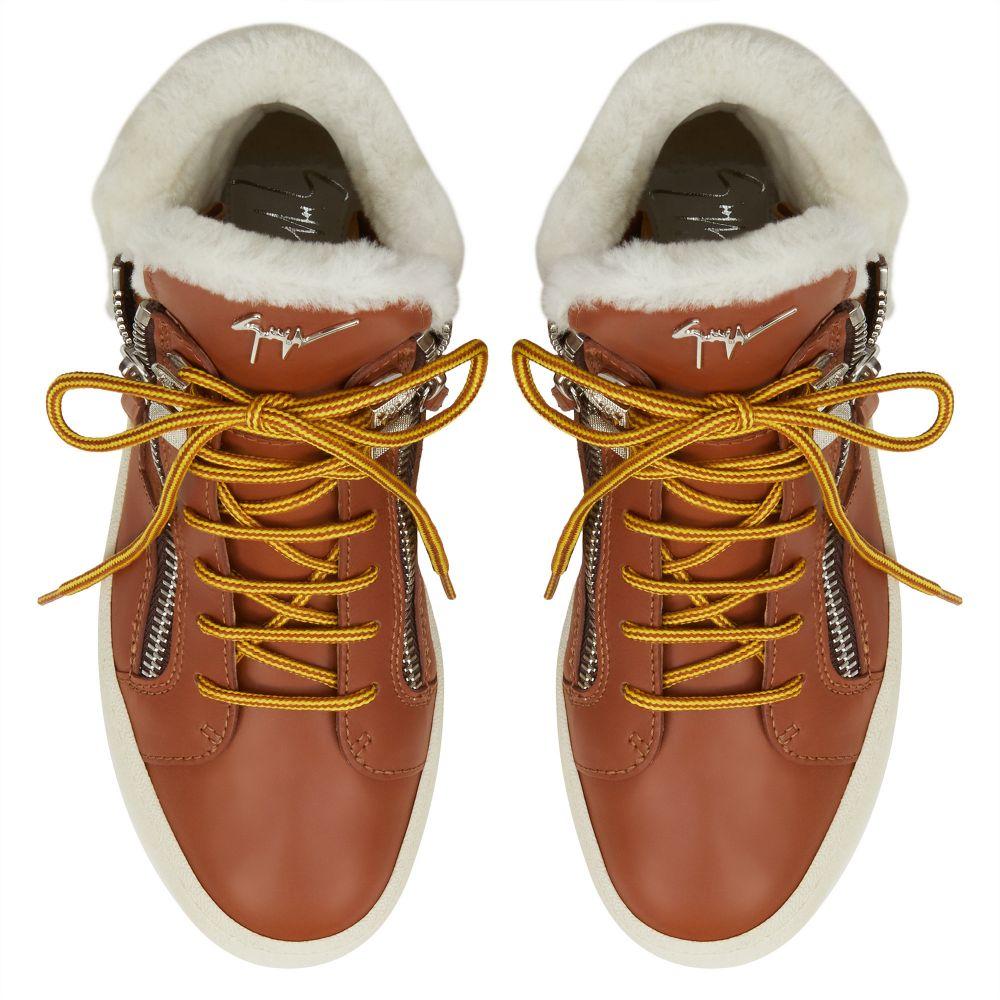 TREK - Brown - Mid top sneakers