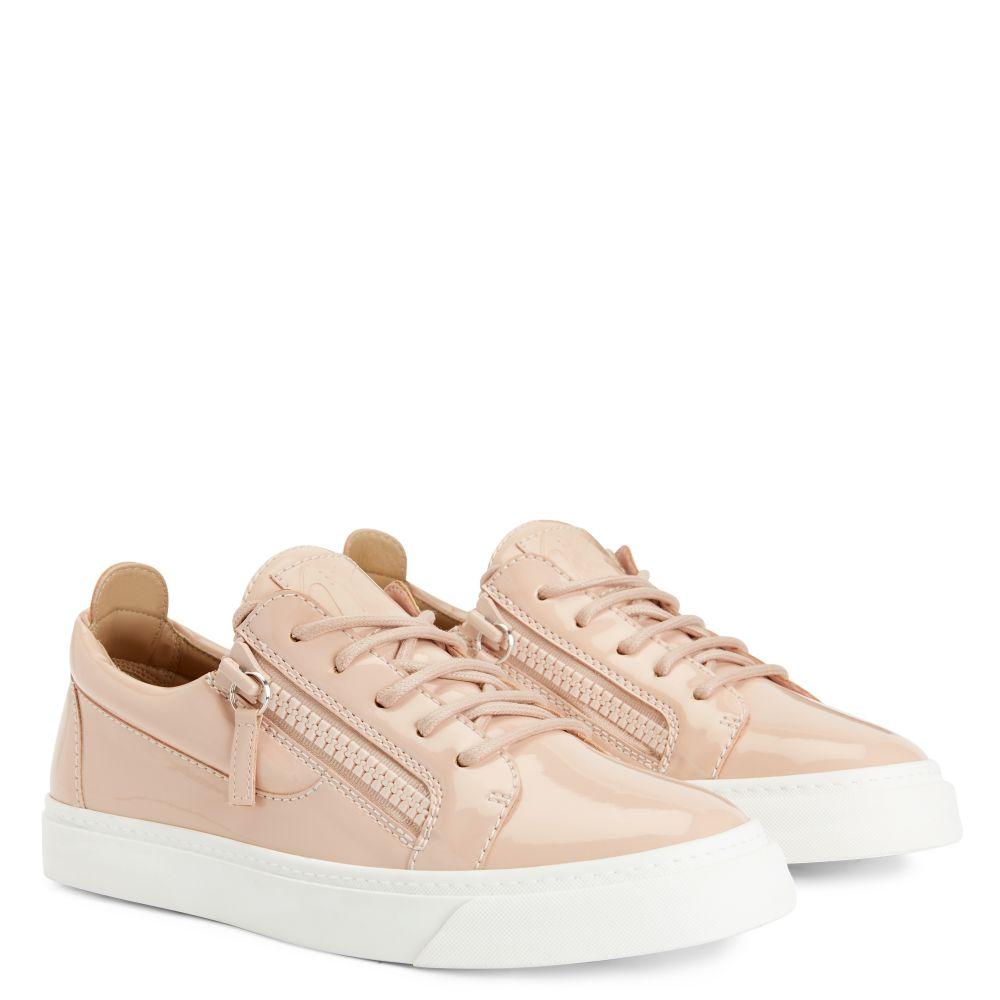 NICKI - Pink - Low top sneakers