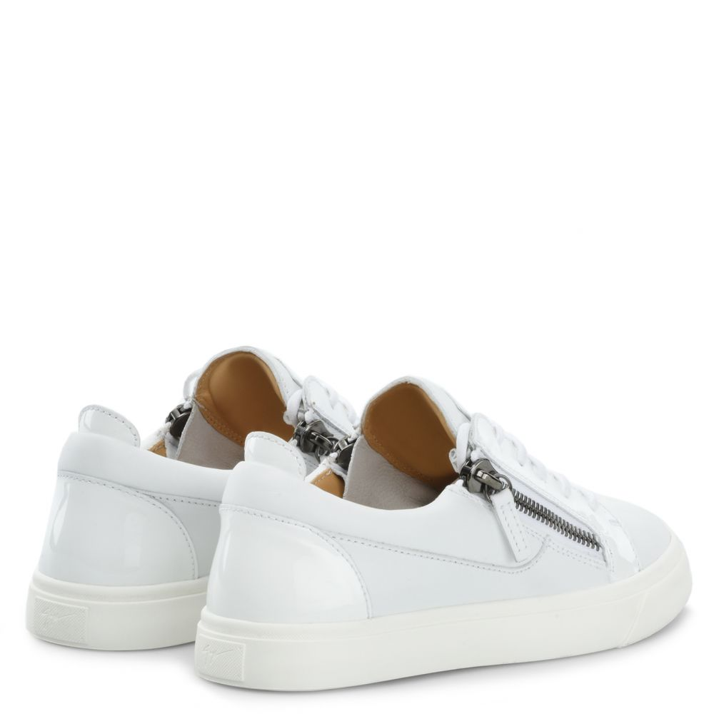 NICKI - White - Low top sneakers