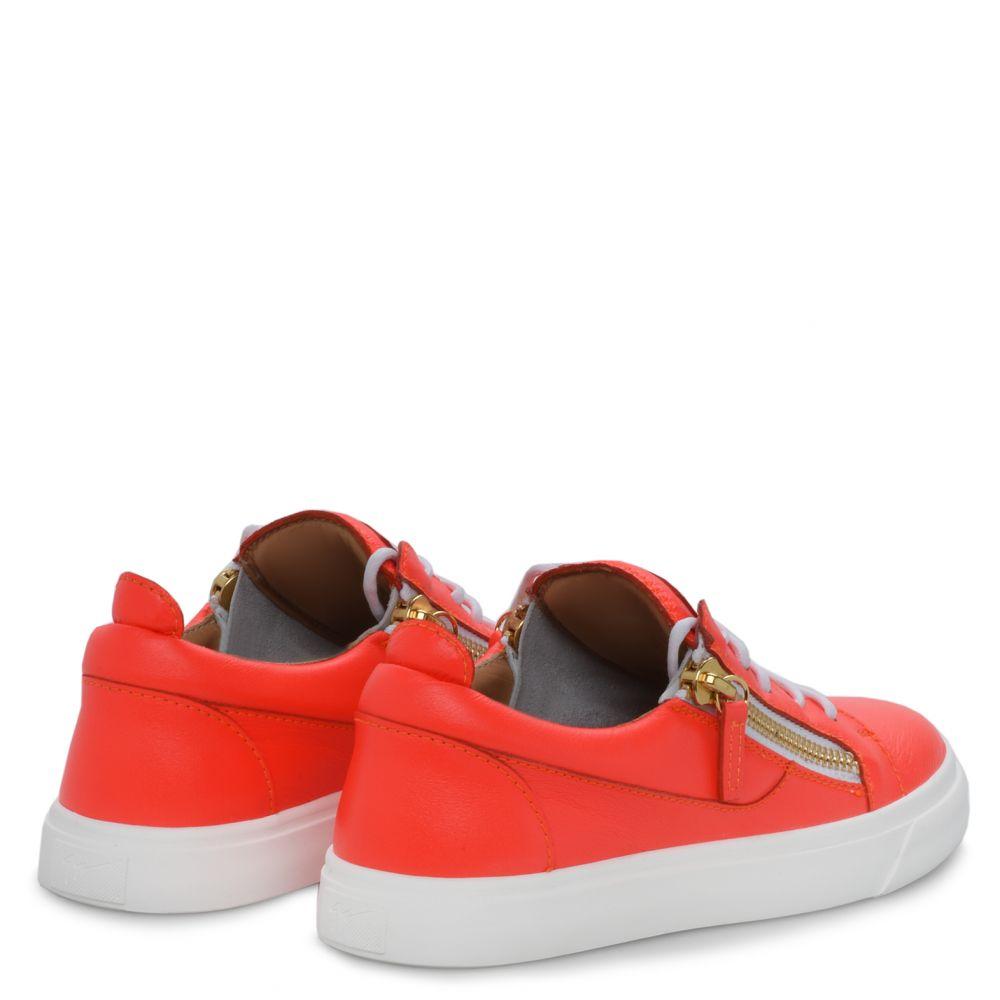 NICKI - Orange - Low top sneakers