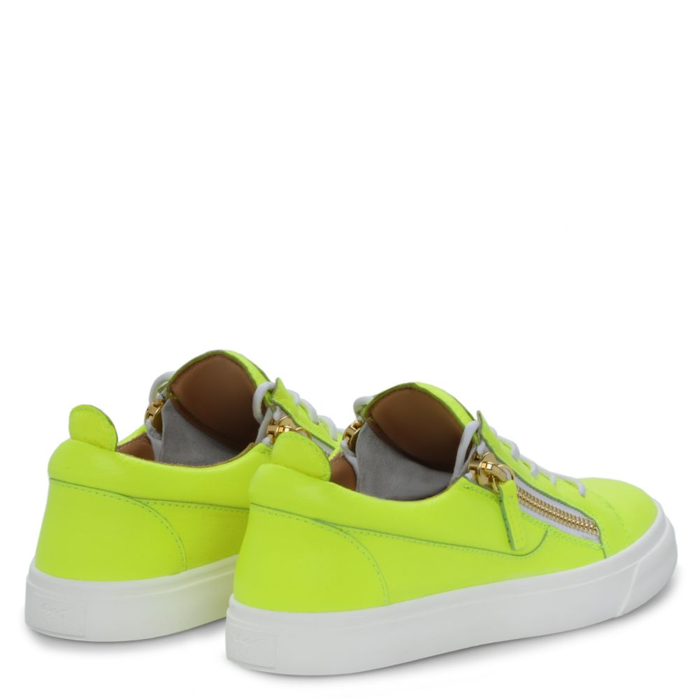 NICKI - Yellow - Low top sneakers