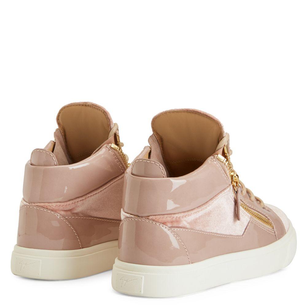 KRISS - Pink - Low top sneakers