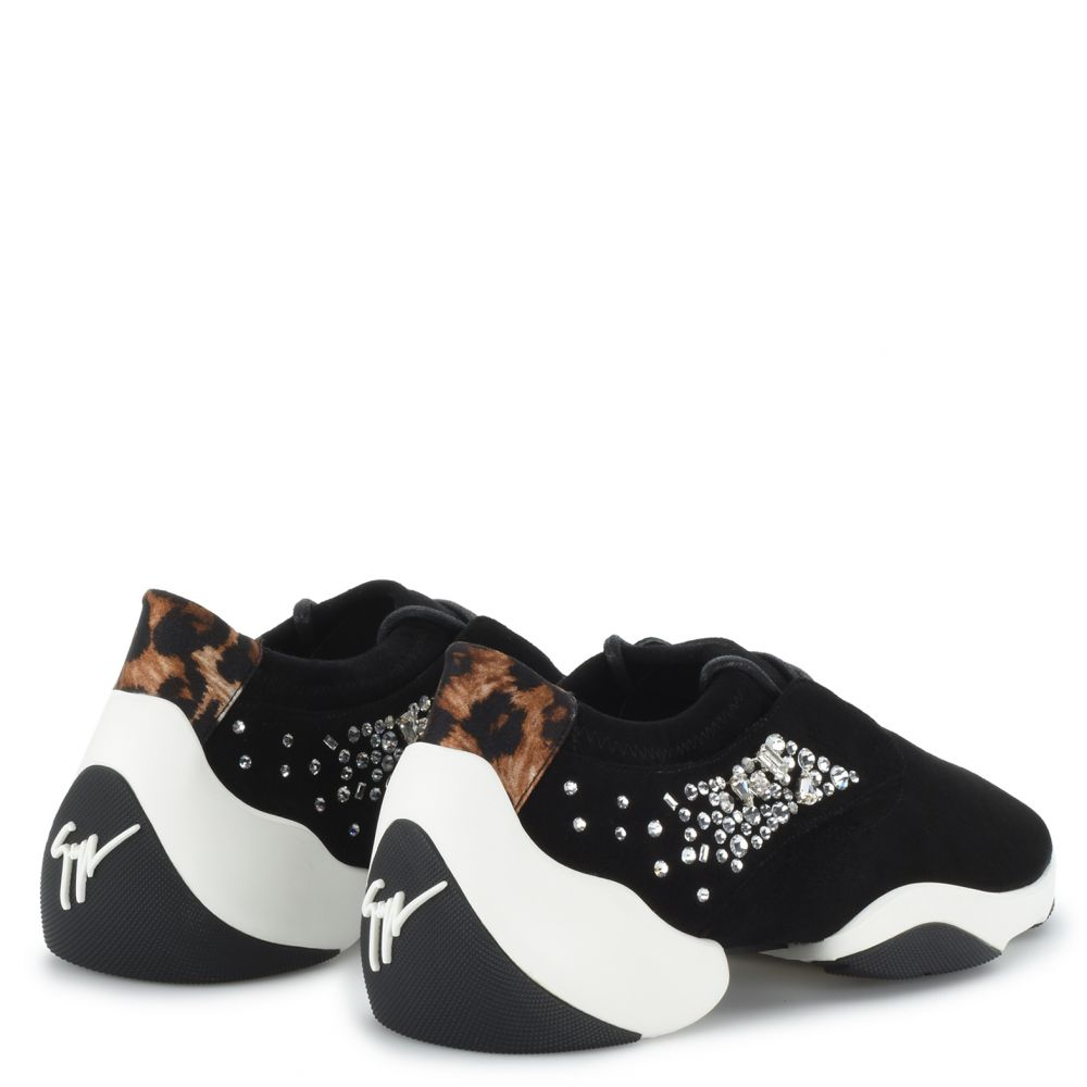 LACED JUMP - Black - Slip ons