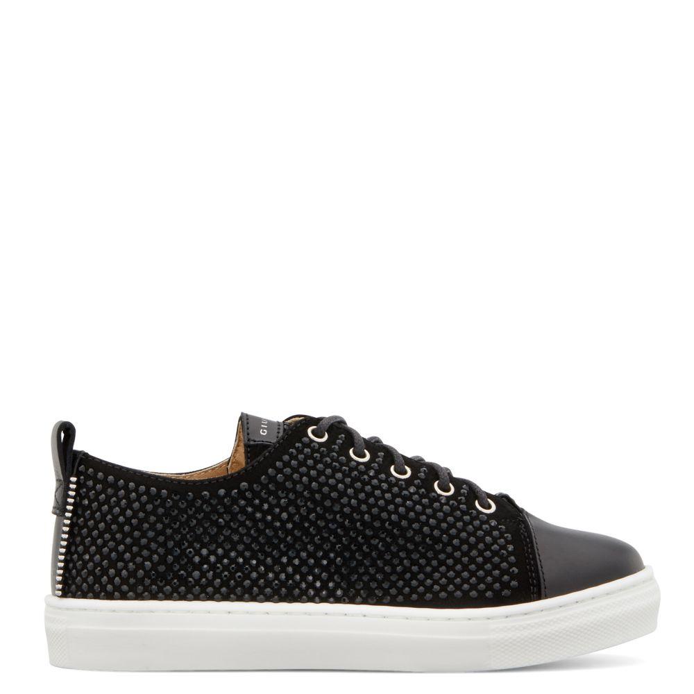 PYIN - Black - Low top sneakers