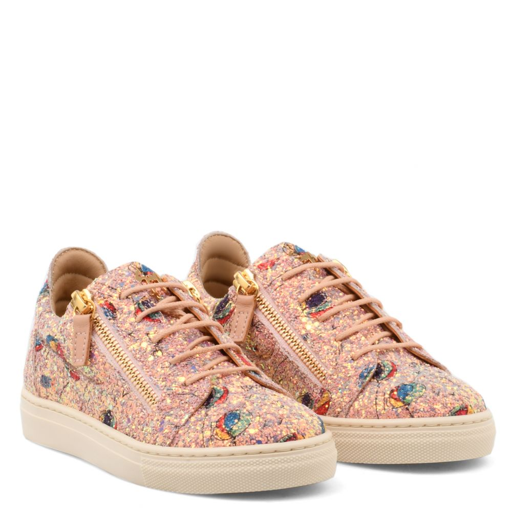 BALOONS JR. - Pink - Low top sneakers
